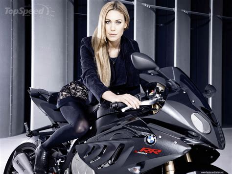 Leslie Porterfield Makes BMW's S1000RR Look Faster